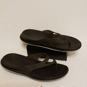 Crocs tone up flip flop slides women's size 8